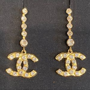 Auth Chanel gold crystal dangle pierced earrings